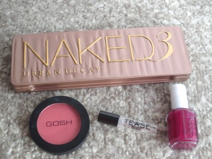 Urban Decay - Naked 3, Gosh blush, Victoria Secret - Tease, Essie nail polish