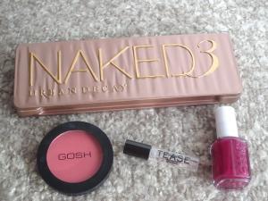 Urban Decay - Naked 3, Gosh blush, Victoria Secret - Tease, Essie nail polish